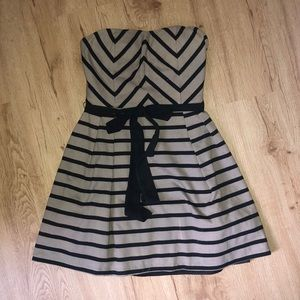 Gorgeous ark &  Co grey striped strapless dress!